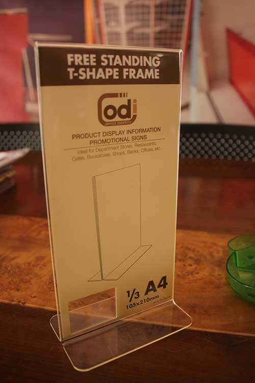 free-standing-t-shape-frame-A4-1,3-(1)