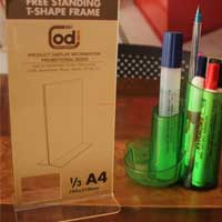 DISPLAY BROSUR ACRYLIC – FREE STANDING T-SHAPE FRAME 1/3 A4