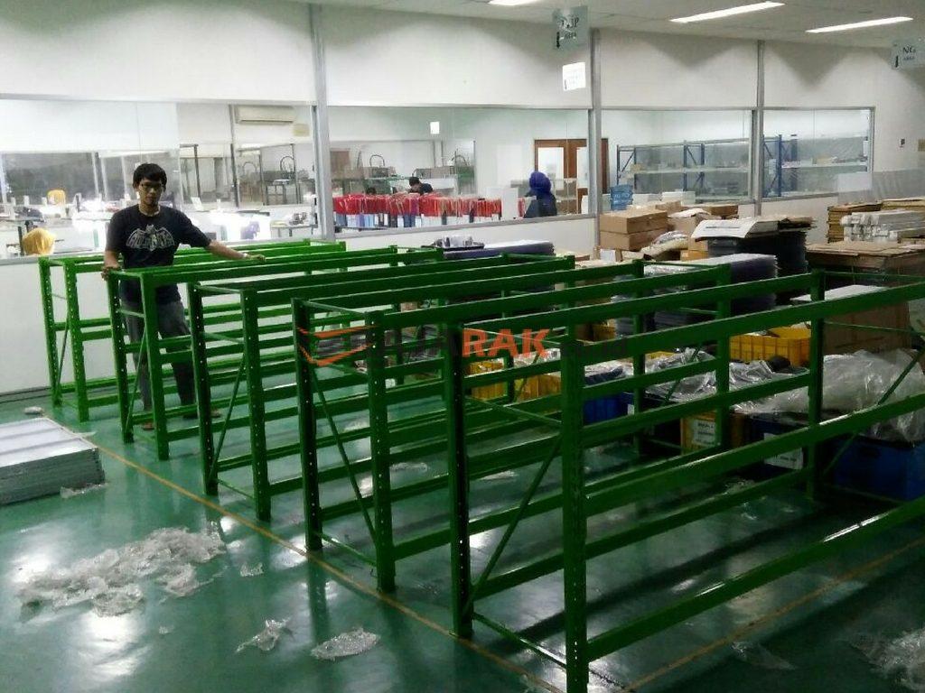 Pemasangan Rak Gudang Light Duty di Cikarang Barat Bekasi