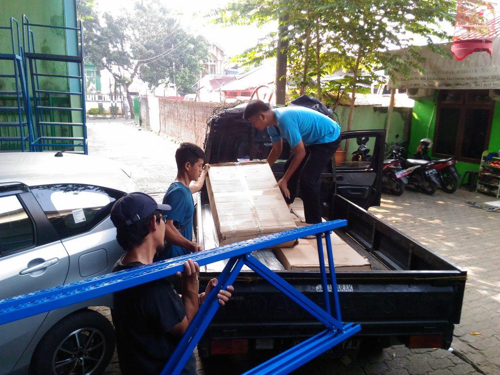 Pengiriman Rak Gudang Light Duty RR-36 Mobeng Jatibenig