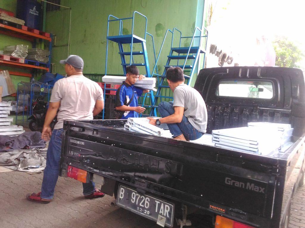 Pengiriman Rak Gondola Minimarket ke Beji Depok